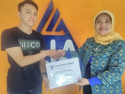 LIA Malang Term 2 2017 Outstanding Students
